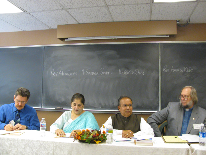 Nonviolence conference-panel--3